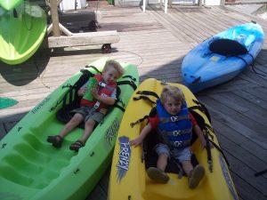 Two satisfied customers enjoying our rental kayaks